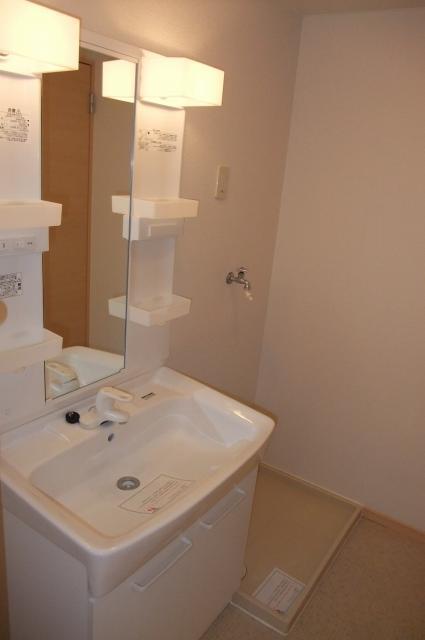 レジデンス・K・Two 01010号室の洗面所
