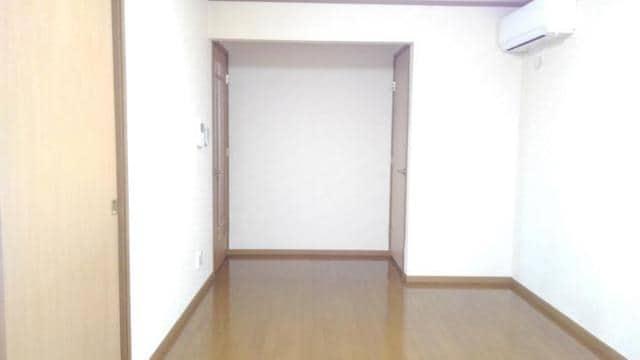 アラモードヴィラ弐番館 01030号室のリビング