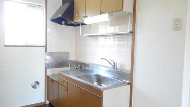 アラモードヴィラ弐番館 01030号室のキッチン
