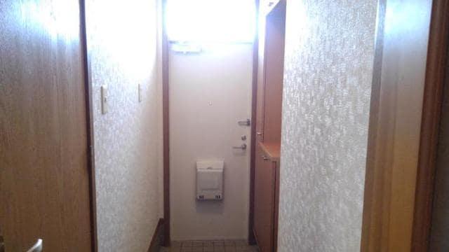 アラモードヴィラ弐番館 01030号室の玄関