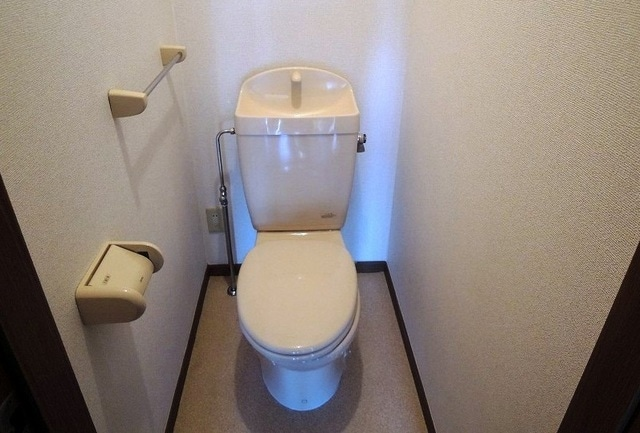 メゾン リュエル Ⅰ 01020号室のトイレ
