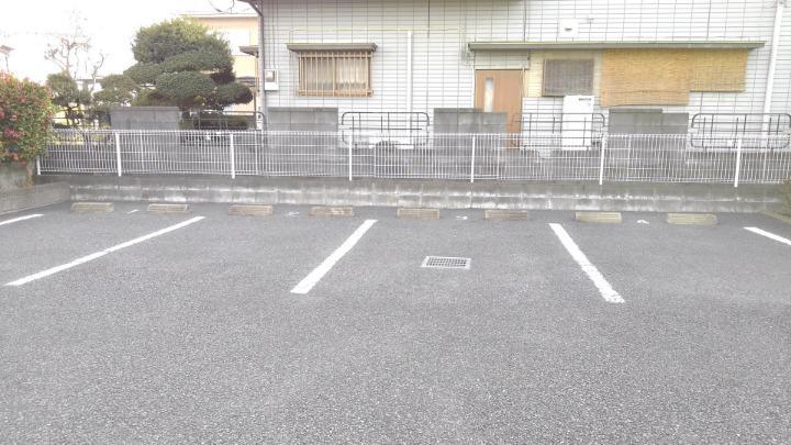 エテ・サンバティ-ク 02020号室の駐車場