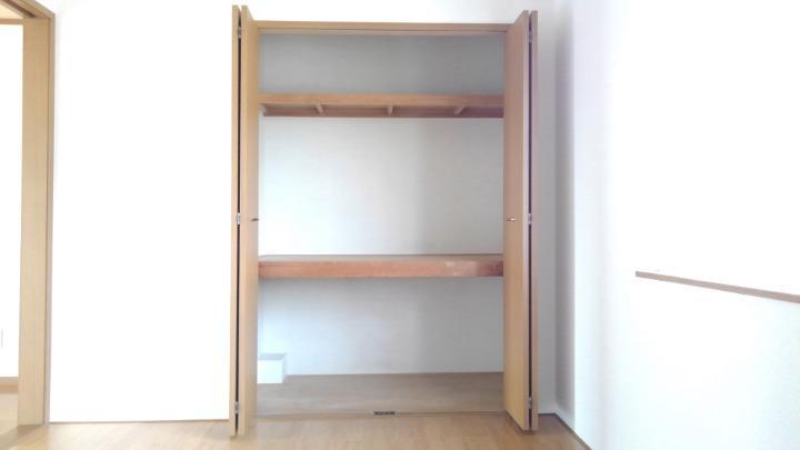 エテ・サンバティ-ク 02020号室の収納