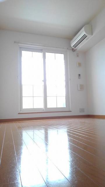 サニーメゾン撫子501B 02010号室のリビング