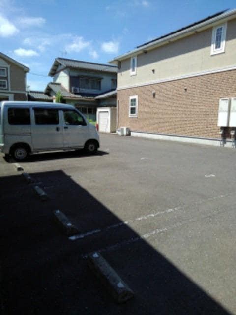 メリオル カザ A 01030号室の駐車場