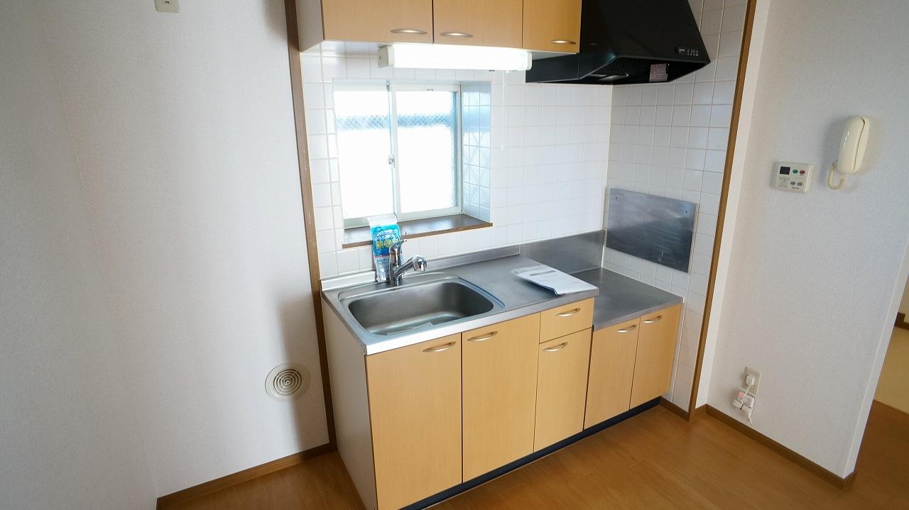クーバーインウエストE 01040号室のキッチン