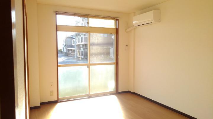 エルディム鈴木 01060号室の居室