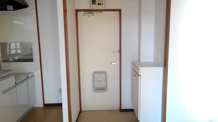 エルディム鈴木 01060号室の玄関