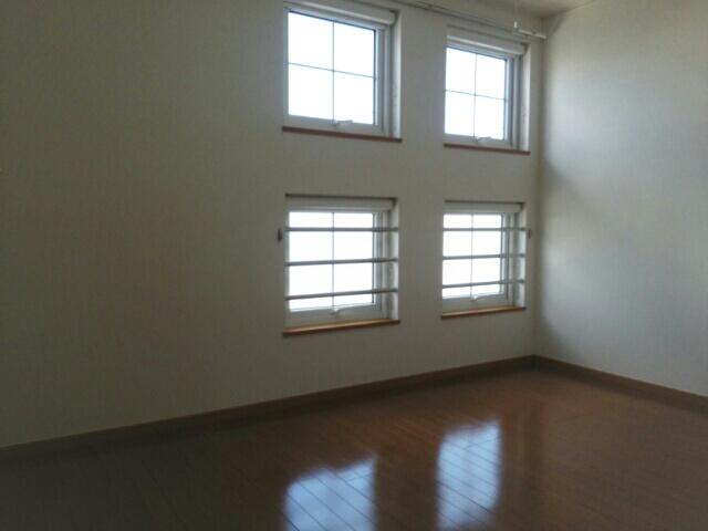 クレーストⅠ 02020号室の居室
