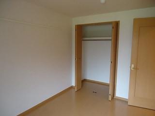 キューズルミエールB 01040号室の居室