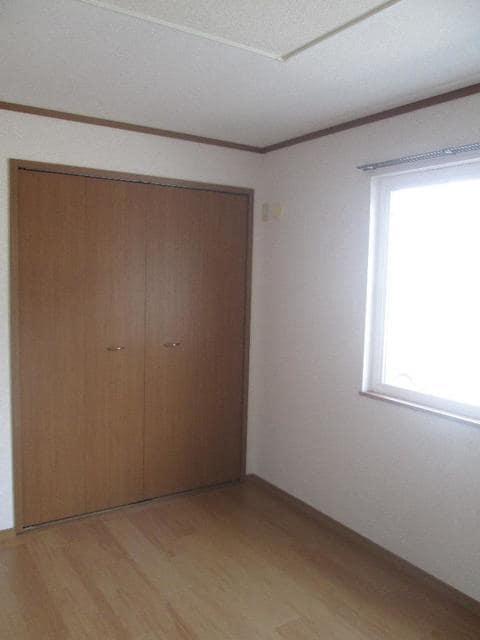 メゾンリュミエ-ルB 01010号室の居室