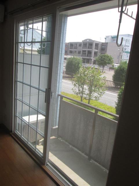 メゾンリュミエ-ルB 01010号室のバルコニー
