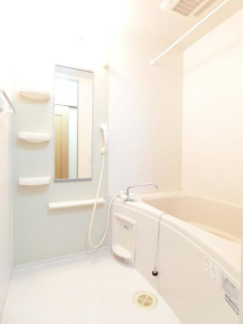 ウロジンゼⅡ 02010号室の風呂