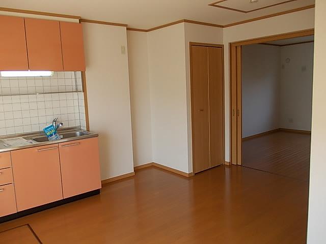 サンフラワーB 01010号室の居室