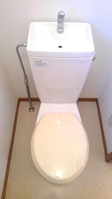 ウエスト 21 02010号室のトイレ
