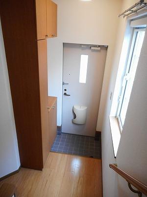 コンフォ-ル 02010号室の玄関