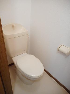 コンフォ-ル 02010号室のトイレ
