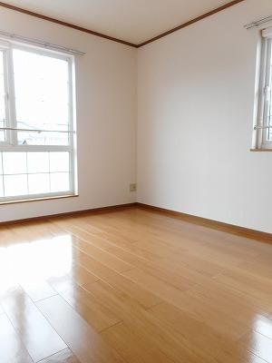 コンフォ-ル 02010号室の居室