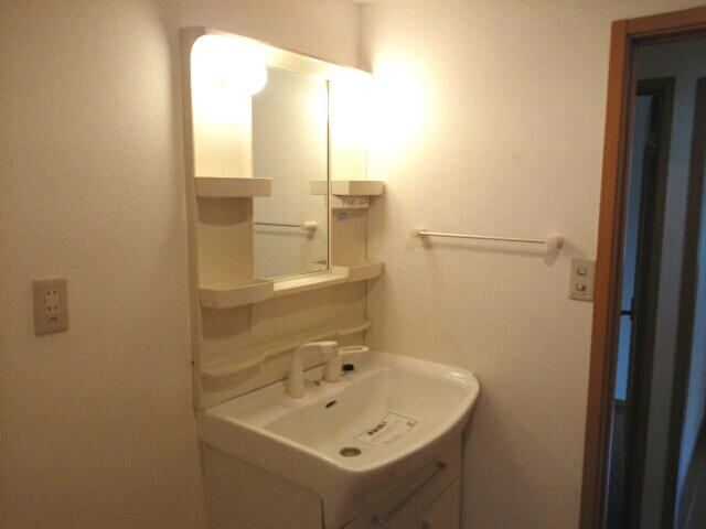 リリー・ヴァリー 02010号室の洗面所