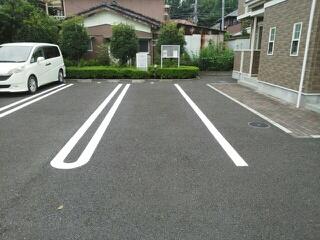 リリー・ヴァリー 02010号室の駐車場