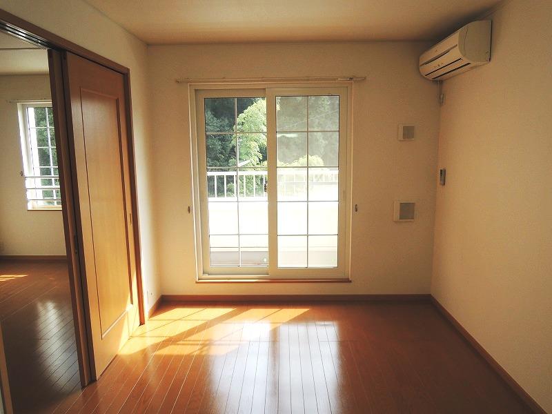 プロムナ-ド ロ-ズ 02030号室の居室