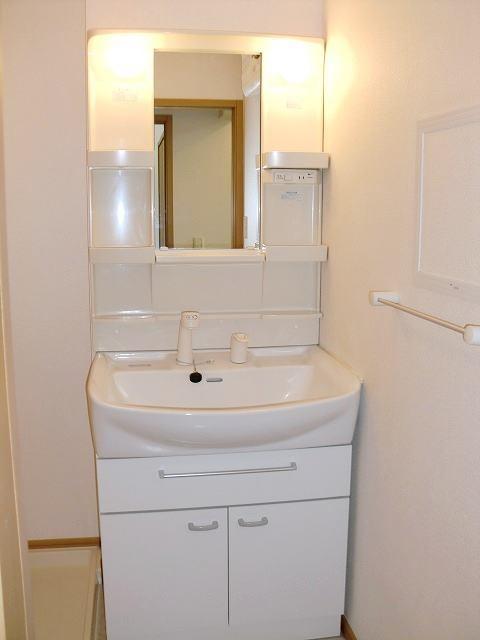 フォー リーフ クローバー 02020号室の洗面所