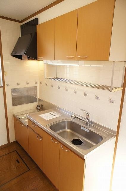 コート・プラザB 01030号室のキッチン