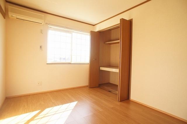 コート・プラザB 01030号室の収納