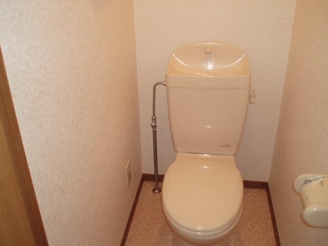 コート・プラザB 01030号室のトイレ
