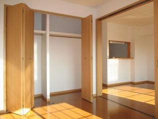 プラティ-クⅡ 01020号室の収納