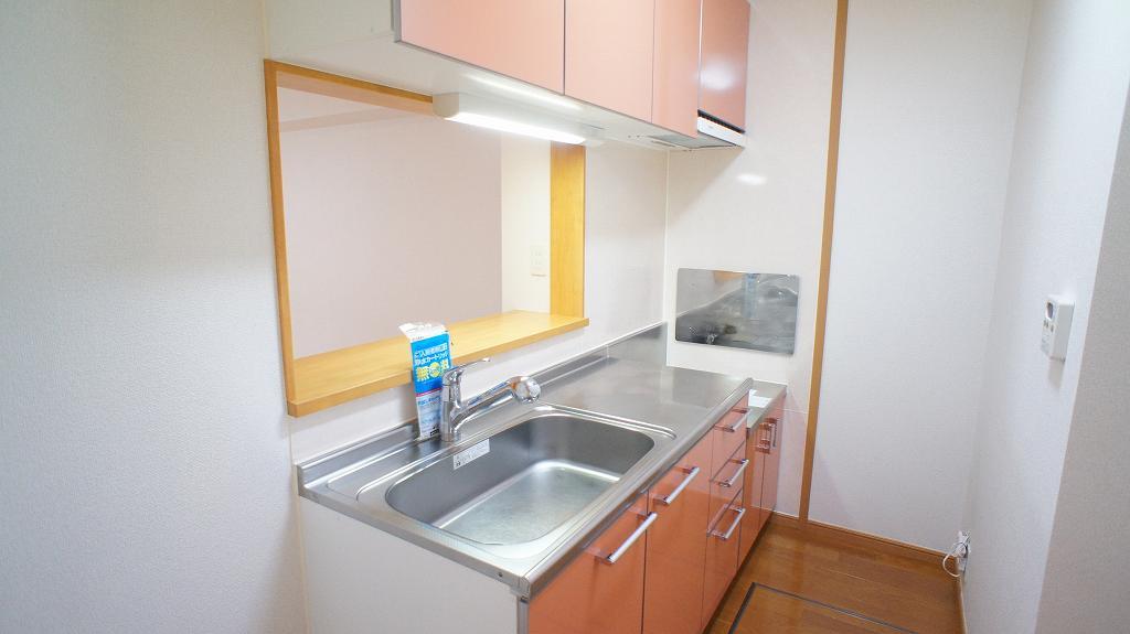 ラ・フルール A 01030号室のキッチン