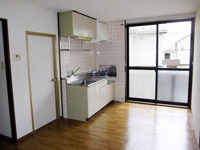 レインボーパレス 02020号室のキッチン