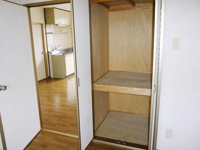 レインボーパレス 02020号室の収納