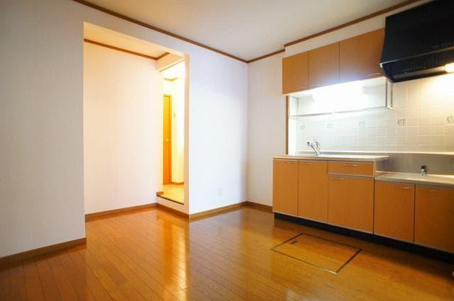 ホ-スブリッジⅢ 01020号室のリビング