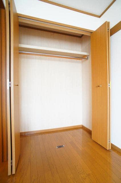 ホ-スブリッジⅢ 01020号室の収納