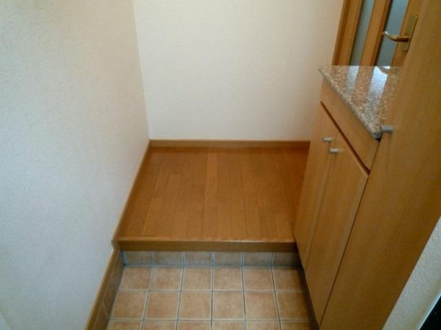 ヴィラ・グリシ-ヌ 01040号室の玄関