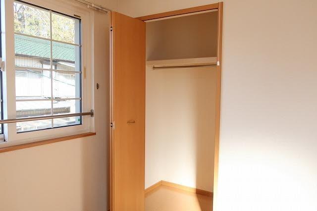 メゾン・ド・ソレイユ 02010号室の収納
