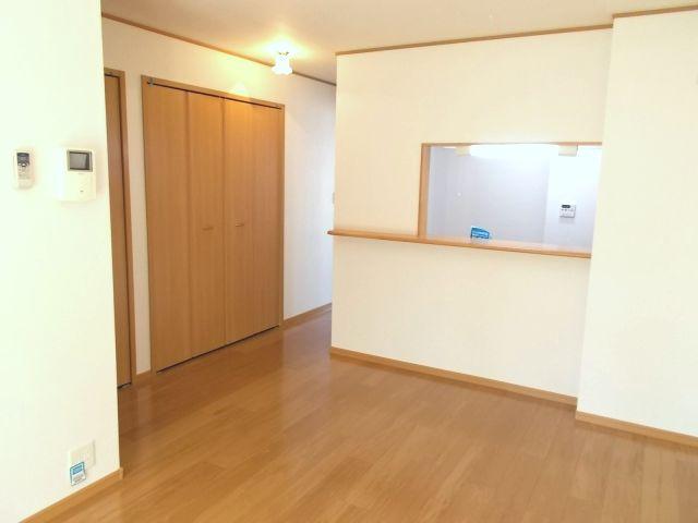 プラシ-ド メゾン 01020号室のリビング