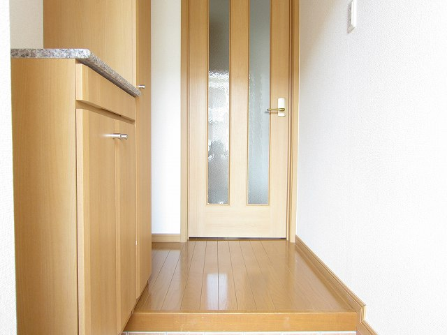 プラシ-ド メゾン 01020号室の玄関