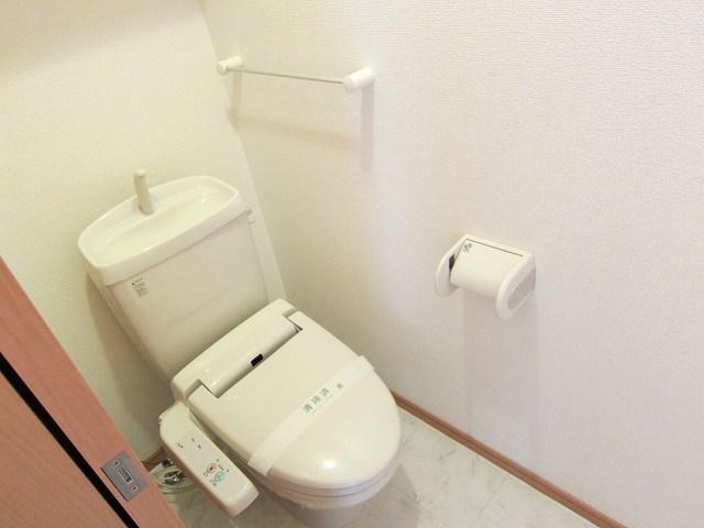 プラシ-ド メゾン 01020号室のトイレ
