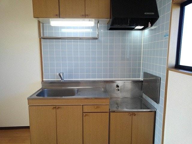 フルールメゾンB 02020号室のキッチン