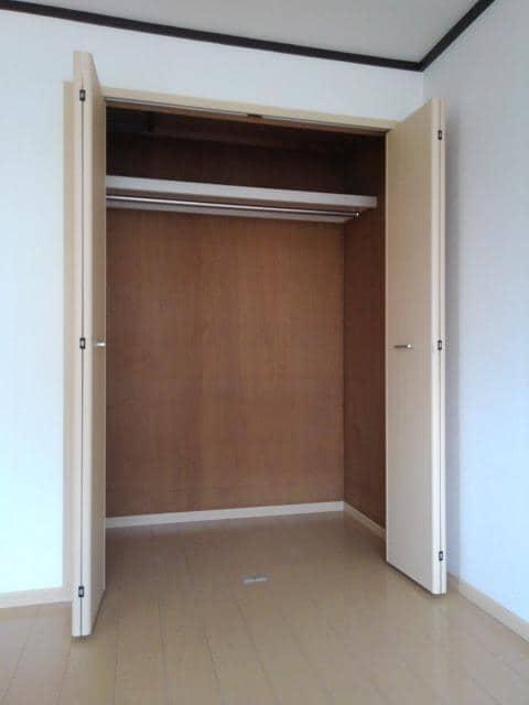 エルディム野口 02040号室の収納