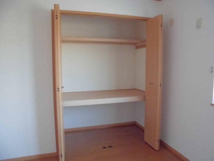 メイプルタウン壱番館 01030号室の収納