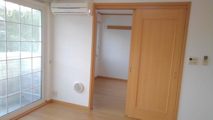 ブリーズ 01010号室の居室