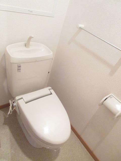 プレ・アビタシオン春日部Ⅱ 04040号室のトイレ