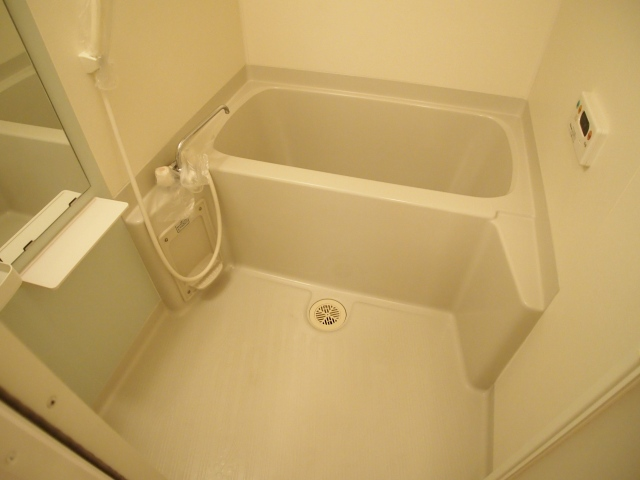 シャルマン弐番館 01020号室の風呂