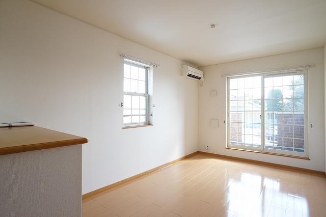 ポルト ソラーナⅠ 02020号室の居室