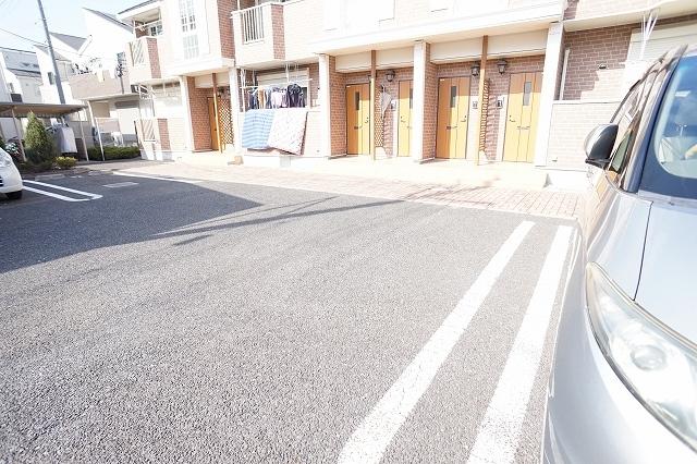 ポルト ソラーナⅠ 02020号室の駐車場
