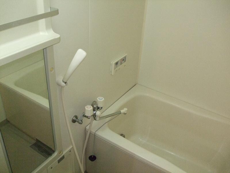 WISTERIA下垂木 01010号室の風呂