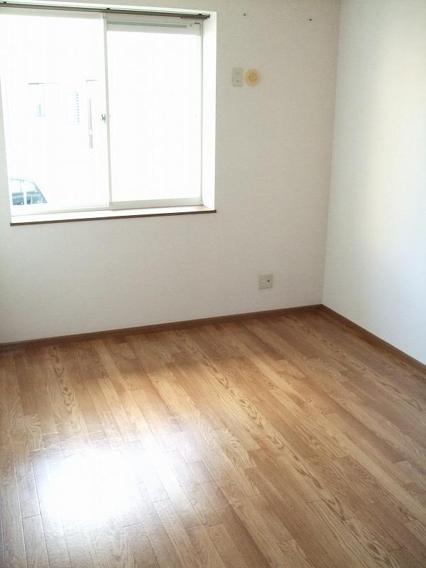 WISTERIA下垂木 01010号室のリビング